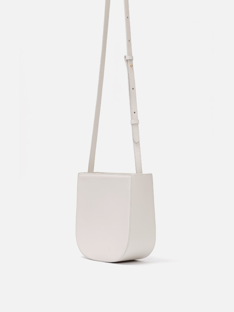 [4/22 순차배송]Uline medium crossbody bag Ivory